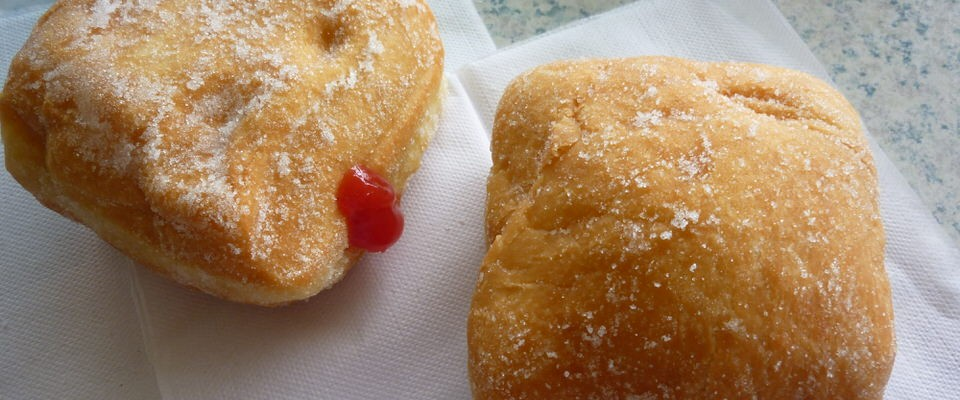 Malasada Fills Your Sugary, Fluffly, Deep-Fried Cravings in Hawaii